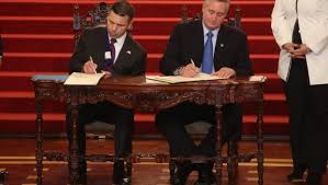 DHS Interim Secretary McAleenan, Guatemalan Interior Minister Degenhart Sign Memorandum of Cooperation to Militarize Guatemalan border with Mexico, Photo Credit: Prensa Libre