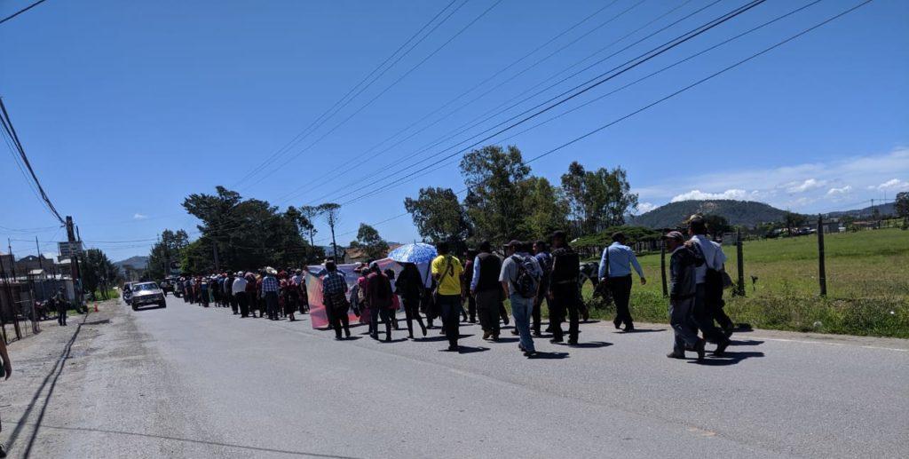 Miembros de la Asamblea Departamental de los Pueblos de Huehuetenango manifiestan en julio de 2019.
