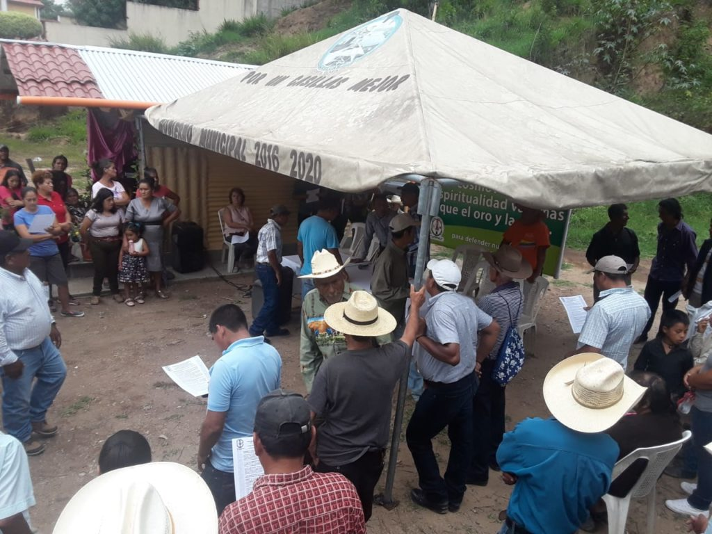 The press conference was held at the Resistance's peaceful encampment in Casillas.