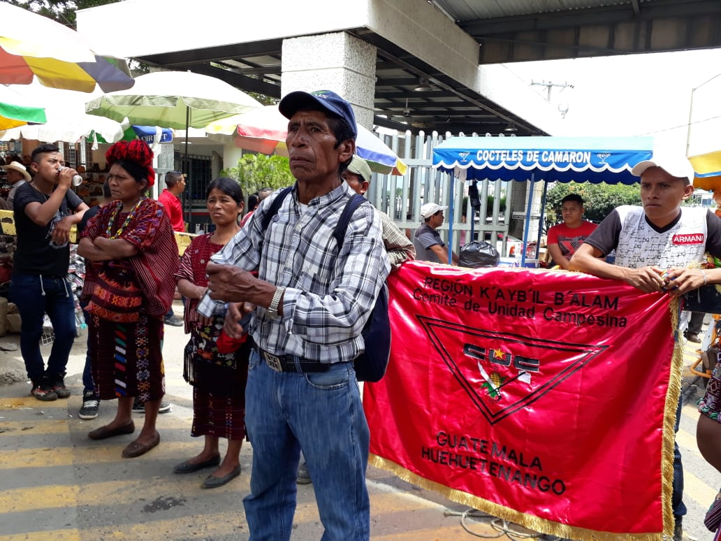 Three hundred community members organized by the ADH took over the Mesiilla check point on the Guatemala-Mexico border on August 9, protesting the