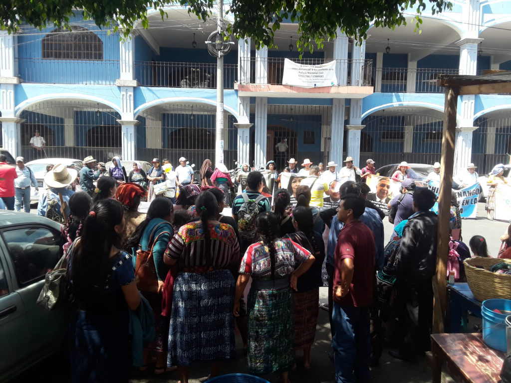 Protestors gather outside of the Chimaltenango government building to deliver their demands for justice to the governor.